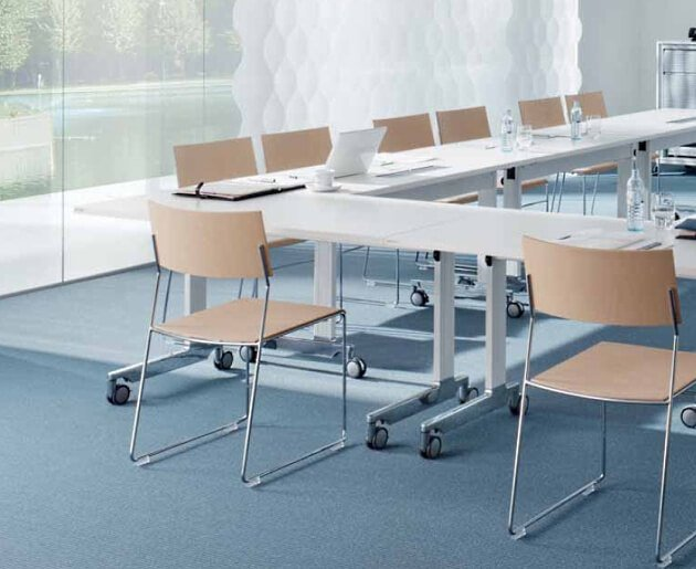 Seminarmöbel und Möbel für Besprechung