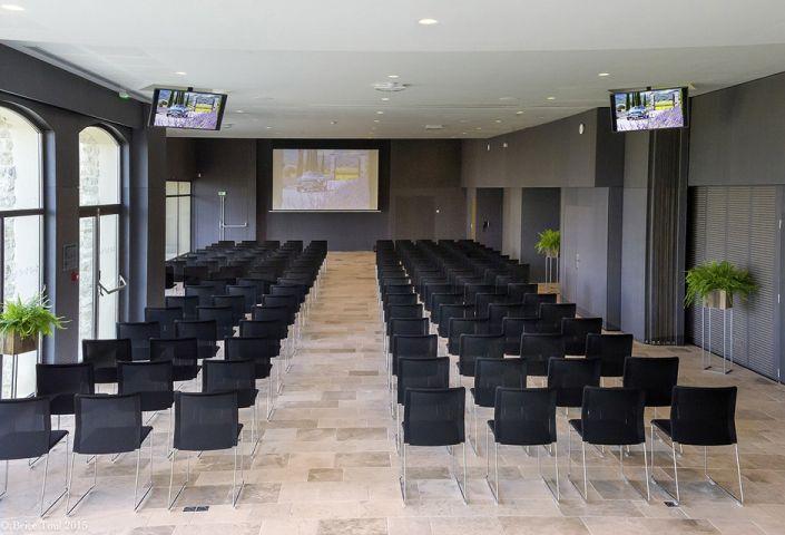Seminarstühle outline mit Netzrücken