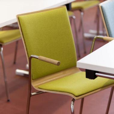Seminarstuhl 3352 Holzschale Buche 9fach verleimt nach IF 20 formaldehydfrei