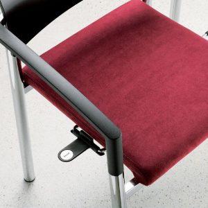 Mehrzweckstuhl aluform Reihennummer zur Kennzeichnung der Sitzreihe