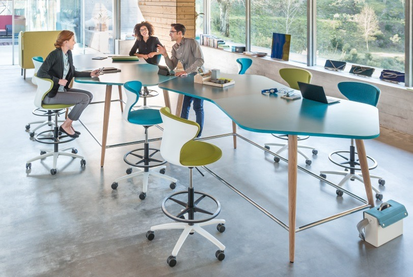 Hochtisch high desk als Freiform